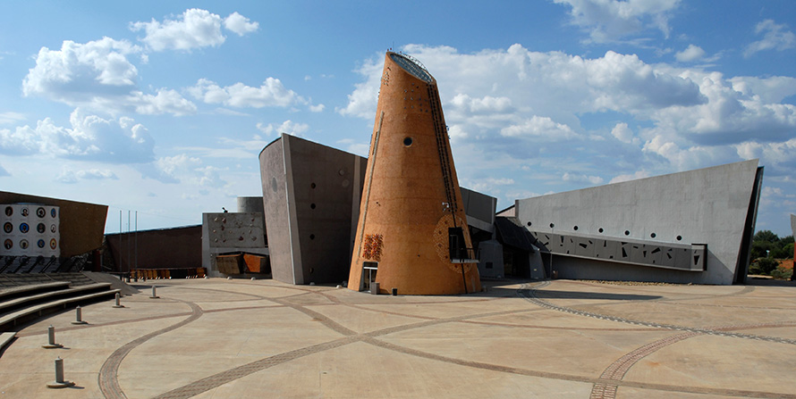 The eye-catching architecture of the Northern Cape Provincial Legislature in Galeshewe, Kimberley. (Graeme Williams, Media Club South Africa)