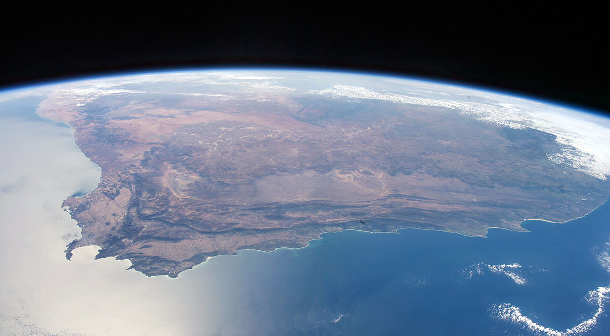 South Africa from space. The crew of the International Space Station captured this view of almost the entire country in April 2016. The Cape peninsula can be seen at lower left, and the coastlines of the Western Cape, Eastern Cape and KwaZulu-Natal towards the right. (Nasa / CC BY NC 2.0)