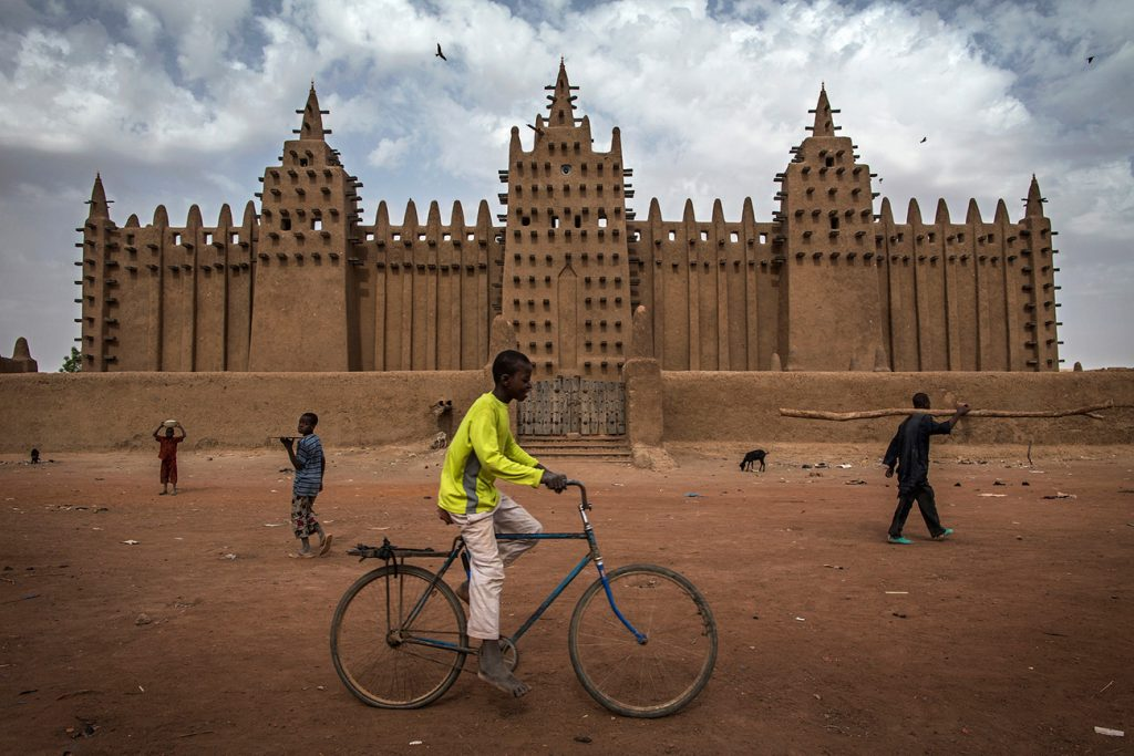 Africa - The Grand Mosque of Djenné in the Niger Delta region of central Mali