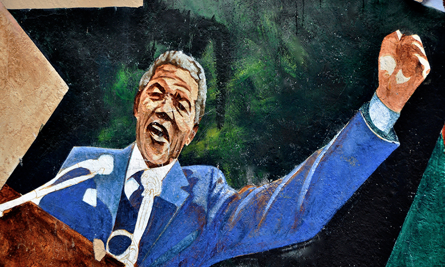 Street art in San Francisco shows Nelson Mandela addressing the massed crowds who greeted him on the Grand Parade in Cape Town after his release from Robben Island on 11 February 1990. (Julie Pimentel, CC BY-NC 2.0)
