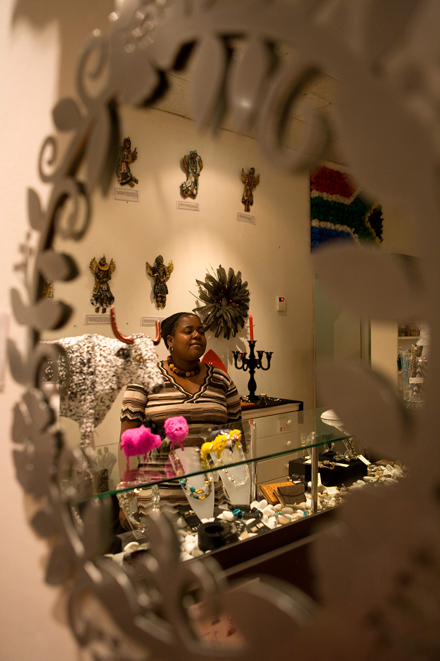 Beauty Maswanganyi is the shop manager and a contributing artist at Piece, an enterprise in Johannesburg specialising in indigenous art and craft objects from around southern Africa. (John Hogg, CC BY-NC-ND 2.0)