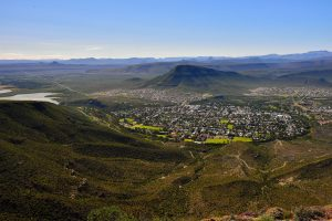 The town of Graaff-Reinet lies in the Valley of Desolation in the northeast Karoo region of the Eastern Cape province in South Africa. Founded in 1786, exactly a century before Johannesburg, it is the third-oldest colonially established settlement in South Africa. Notable South Africans born in Graaff-Reinet include anti-apartheid activists Robert Sobukwe, Matthew Goniwe and Beyers Naude, artist Helen Martins, 19th-century road builders Andrew Geddes Bain and Thomas Charles John Bain, palaeontologist James Kitching and business mogul Anton Rupert. (South African Tourism, CC BY-2.0)