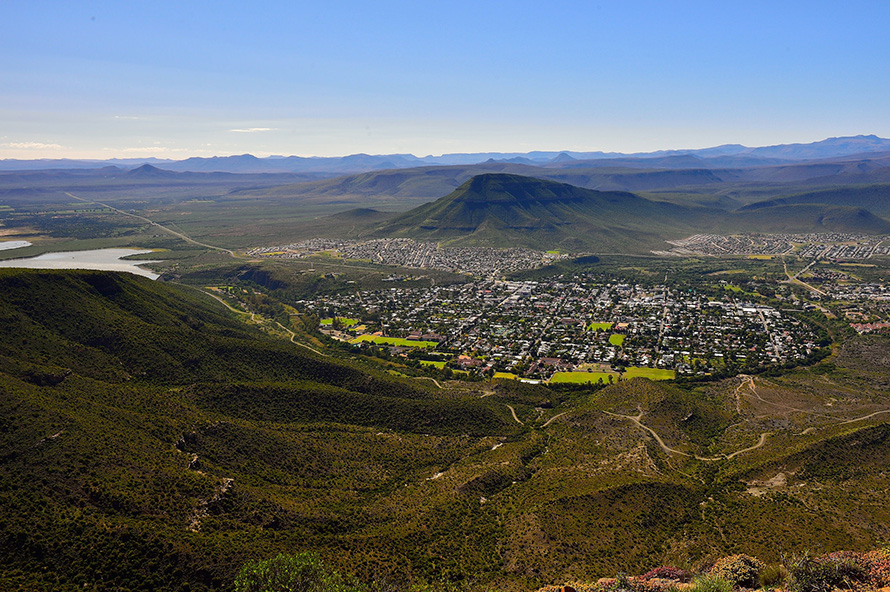 The town of Graaff-Reinet lies in the Valley of Desolation in the northeast Karoo region of the Eastern Cape province in South Africa. Founded in 1786, exactly a century before Johannesburg, it is the fourth-oldest colonially established settlement in South Africa after Cape Town, Stellenbosch and Swellendam. Notable South Africans born in Graaff-Reinet include anti-apartheid activists Robert Sobukwe, Matthew Goniwe and Beyers Naude, artist Helen Martins, 19th-century road builders Andrew Geddes Bain and Thomas Charles John Bain, palaeontologist James Kitching and business mogul Anton Rupert. (South African Tourism, CC BY-2.0)